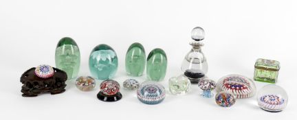 Assorted decorative glass including 7 millefiori weights