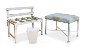 A WHITE PAINTED LUGGAGE STAND, 20TH CENTURY