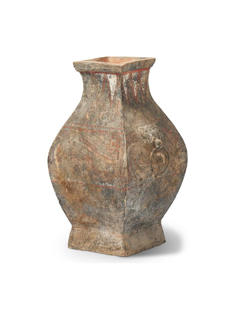 A CHINESE POTTERY VASE, HAN DYNASTY