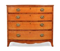 Y A GEORGE III SATINWOOD AND TULIPWOOD CROSSBANDED CHEST OF DRAWERS, CIRCA 1790