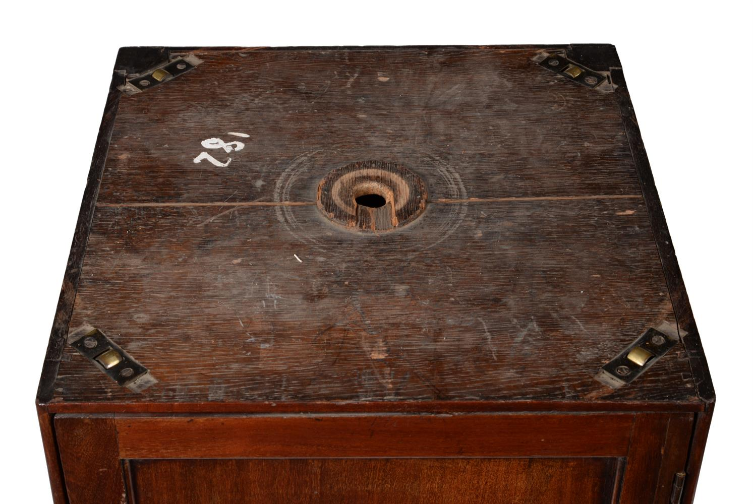 A GEORGE III MAHOGANY LIBRARY OR RENT TABLE, CIRCA 1780 - Image 6 of 7