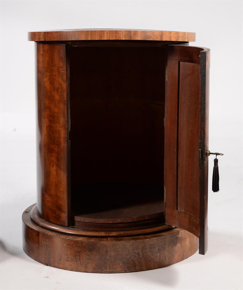 A PAIR OF GEORGE IV MAHOGANY CYLINDRICAL BEDSIDE OR PEDESTAL CUPBOARDS, CIRCA 1825 - Image 5 of 5