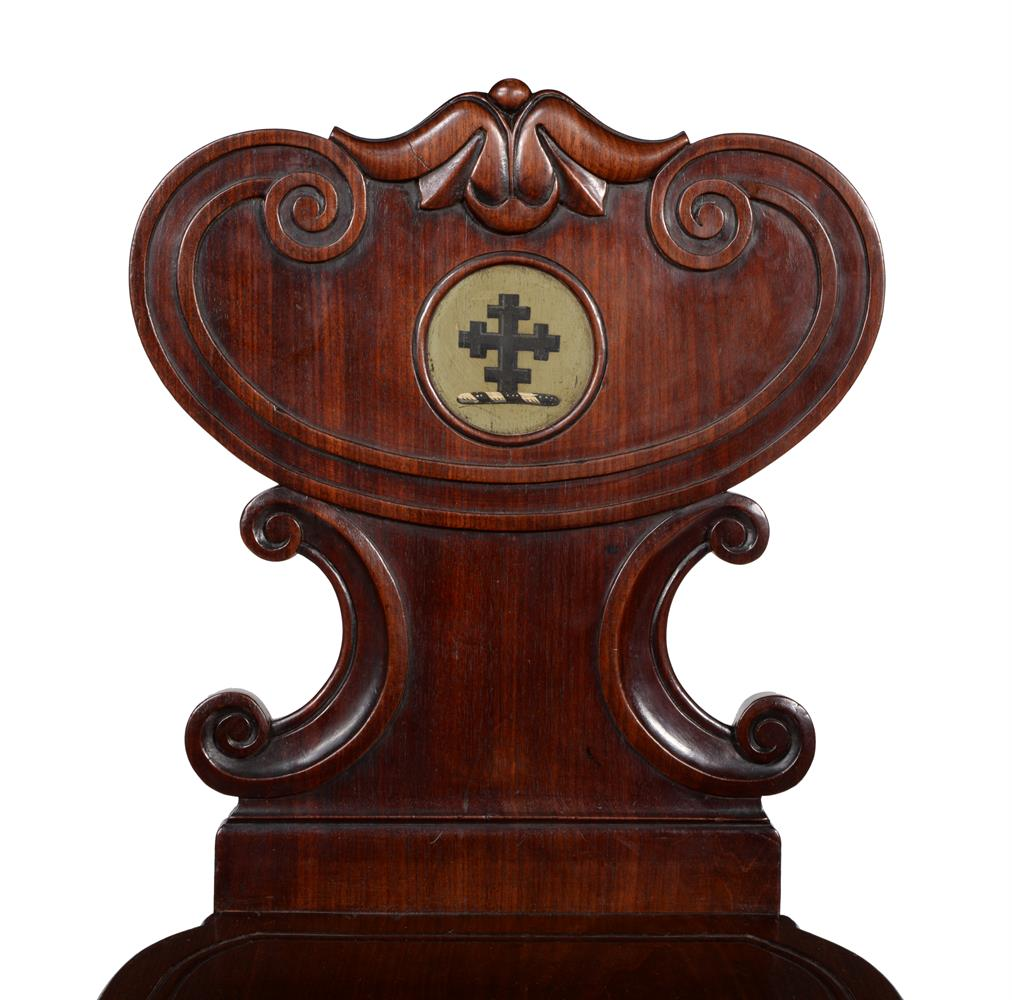 A PAIR OF WILLIAM IV MAHOGANY HALL CHAIRS, IN THE MANNER OF GILLOWS, CIRCA 1835 - Image 3 of 3