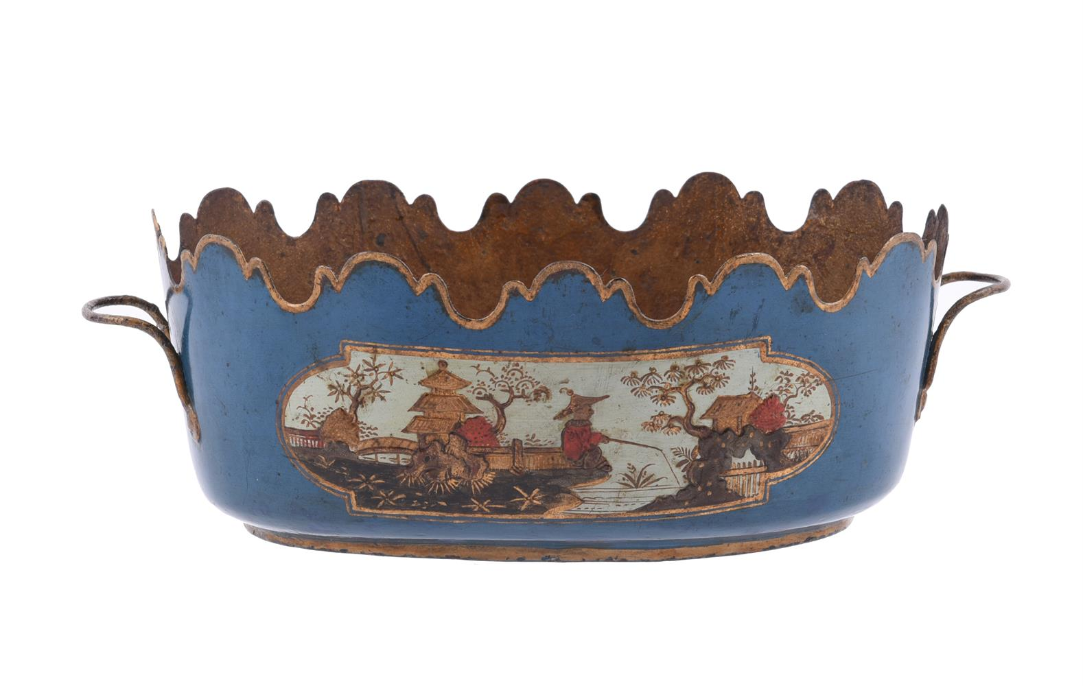 A PAIR OF FRENCH CHINOISERIE TÔLE PEINTE SEAUX À VERRE OR GLASS COOLERS, SECOND HALF 18TH CENTURY - Image 4 of 5