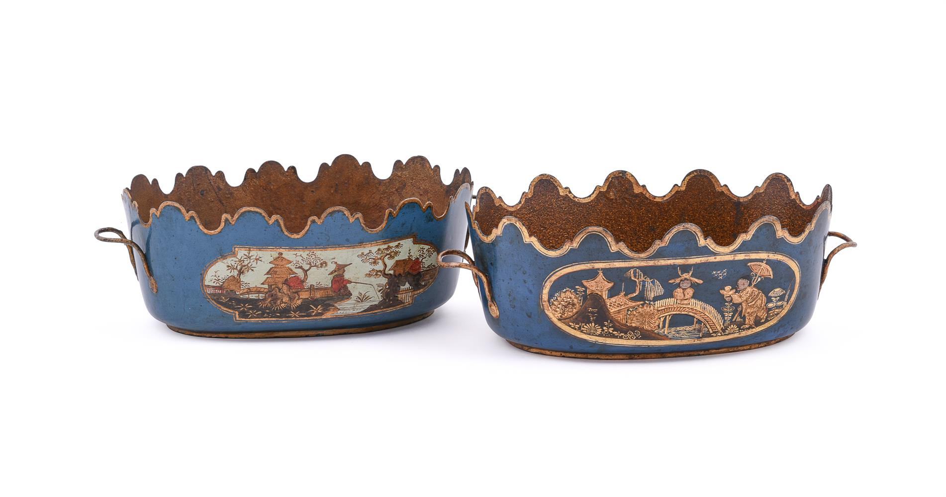 A PAIR OF FRENCH CHINOISERIE TÔLE PEINTE SEAUX À VERRE OR GLASS COOLERS, SECOND HALF 18TH CENTURY