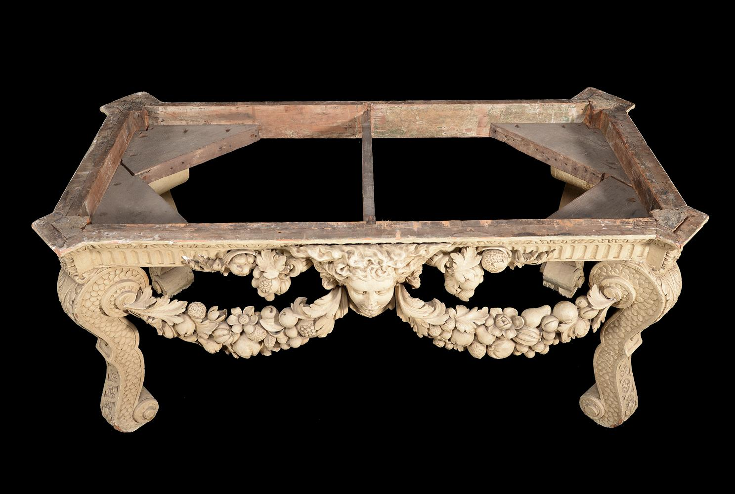 A CREAM PAINTED CARVED WOOD CONSOLE TABLE, IN THE MANNER OF WILLIAM KENT - Image 6 of 9