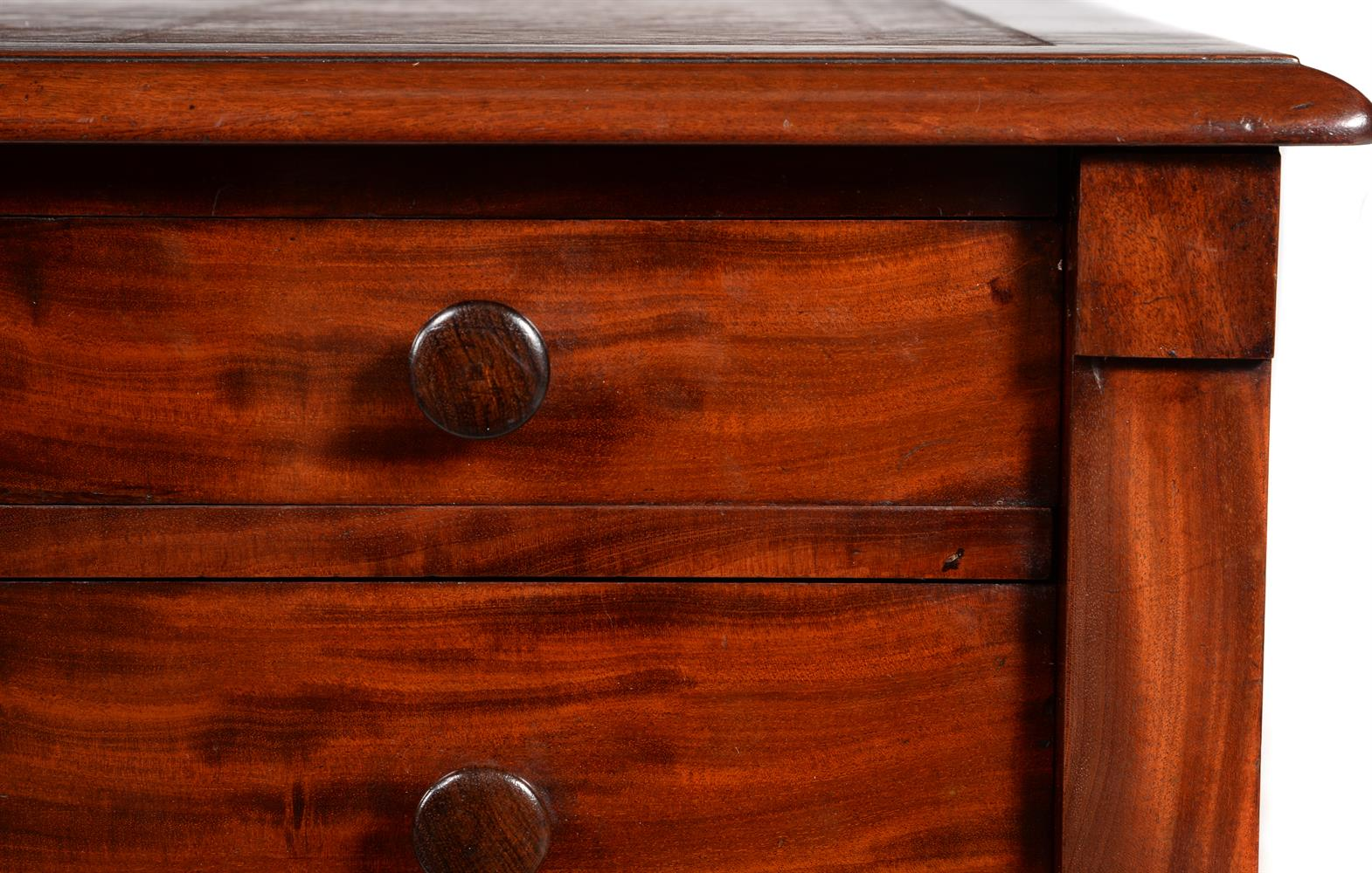 Y A GEORGE IV MAHOGANY PEDESTAL DESK, CIRCA 1830, ATTRIBUTED TO GILLOWS - Image 5 of 6