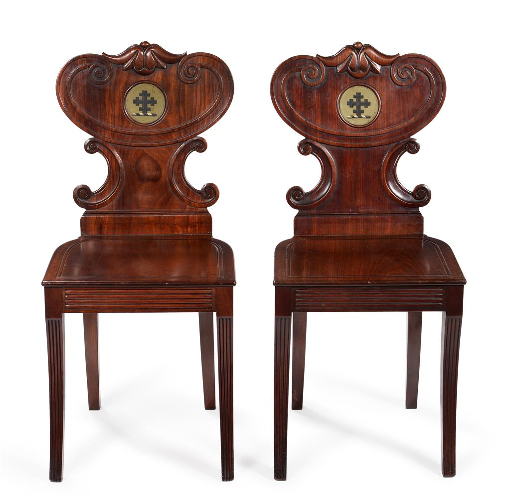 A PAIR OF WILLIAM IV MAHOGANY HALL CHAIRS, IN THE MANNER OF GILLOWS, CIRCA 1835 - Image 2 of 3