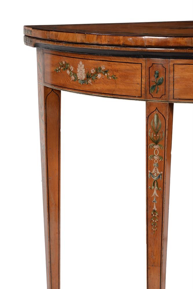A PAIR OF GEORGE III DECORATED SATINWOOD CARD TABLES, CIRCA 1810 - Image 5 of 8