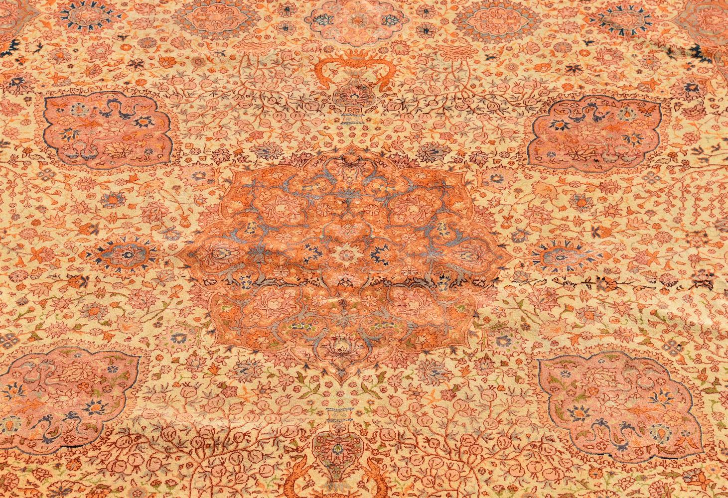 A SIVAS CARPET, approximately 442 x 330cm - Image 2 of 3