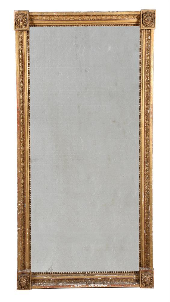 A REGENCY GILTWOOD WALL MIRROR, CIRCA 1820