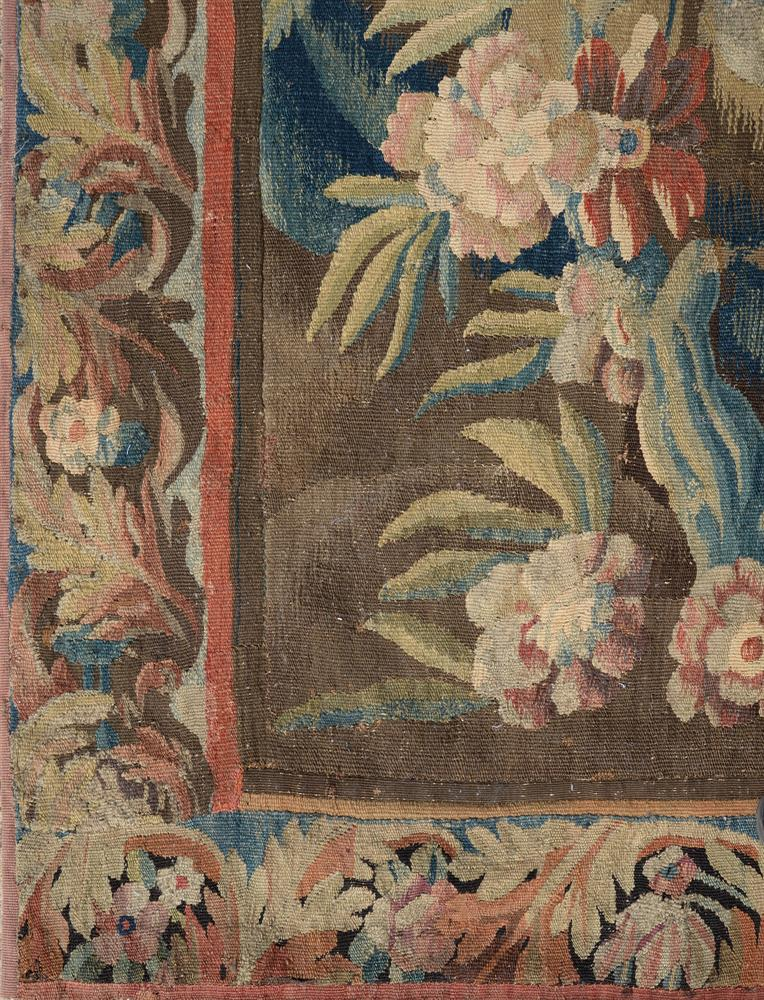 A FRENCH EXOTIC CHINOISERIE LANDSCAPE TAPESTRY, MID-18TH CENTURY - Image 5 of 6