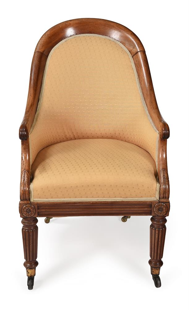 A REGENCY MAHOGANY AND UPHOLSTERED BERGERE ARMCHAIR, CIRCA 1820 - Image 2 of 4