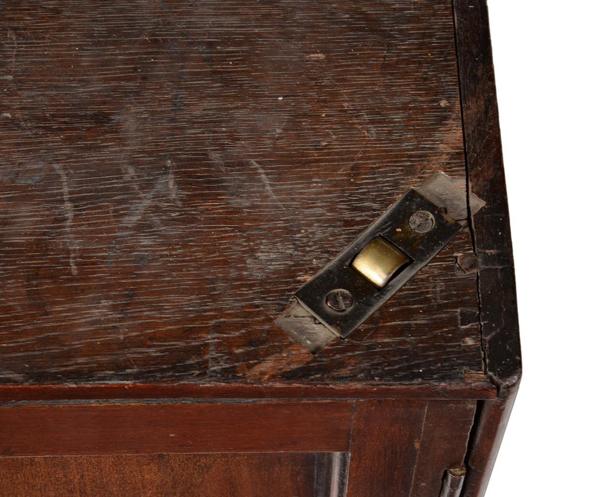 A GEORGE III MAHOGANY LIBRARY OR RENT TABLE, CIRCA 1780 - Image 7 of 7