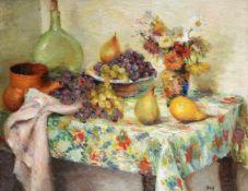 λ MARCEL DYF (FRENCH 1899-1985), FRUITS ET FLEURS SUR UNE TABLE