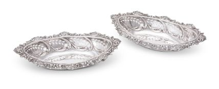 A PAIR OF EDWARDIAN SILVER SWEET BASKETS