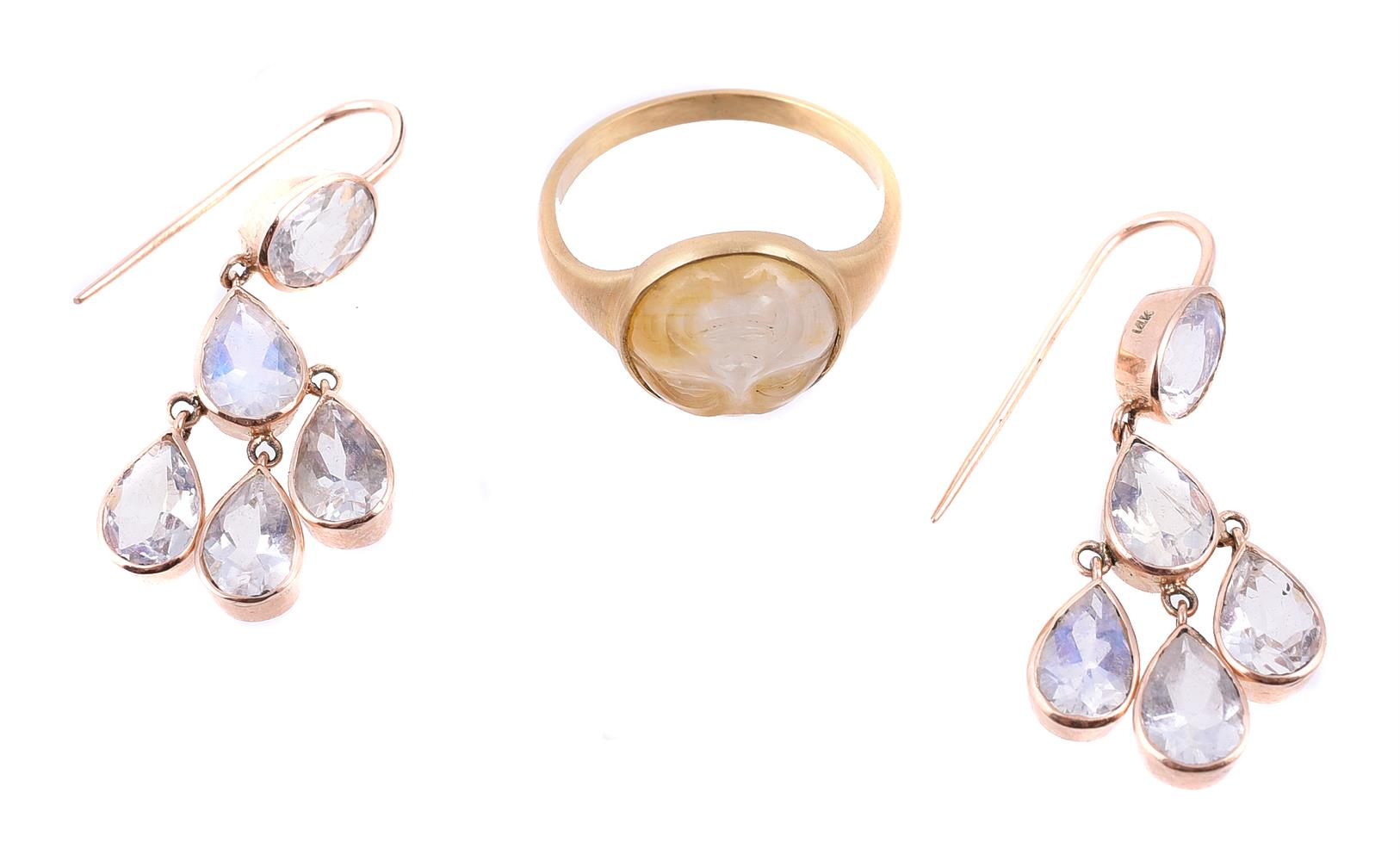 A novelty moonstone ring