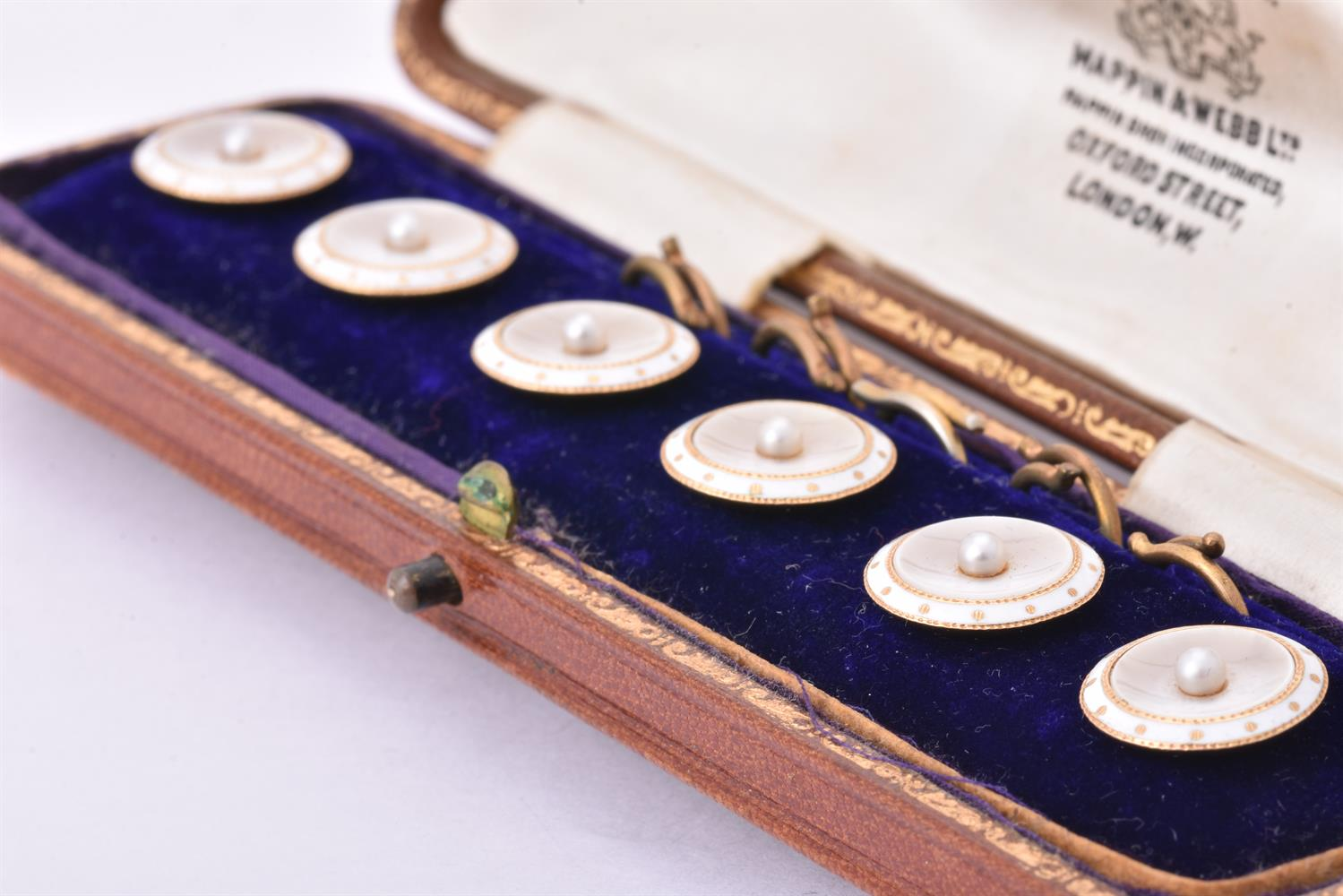 Y A pair of early 20th century mother of pearl and pearl cufflinks and six cased buttons - Image 2 of 3