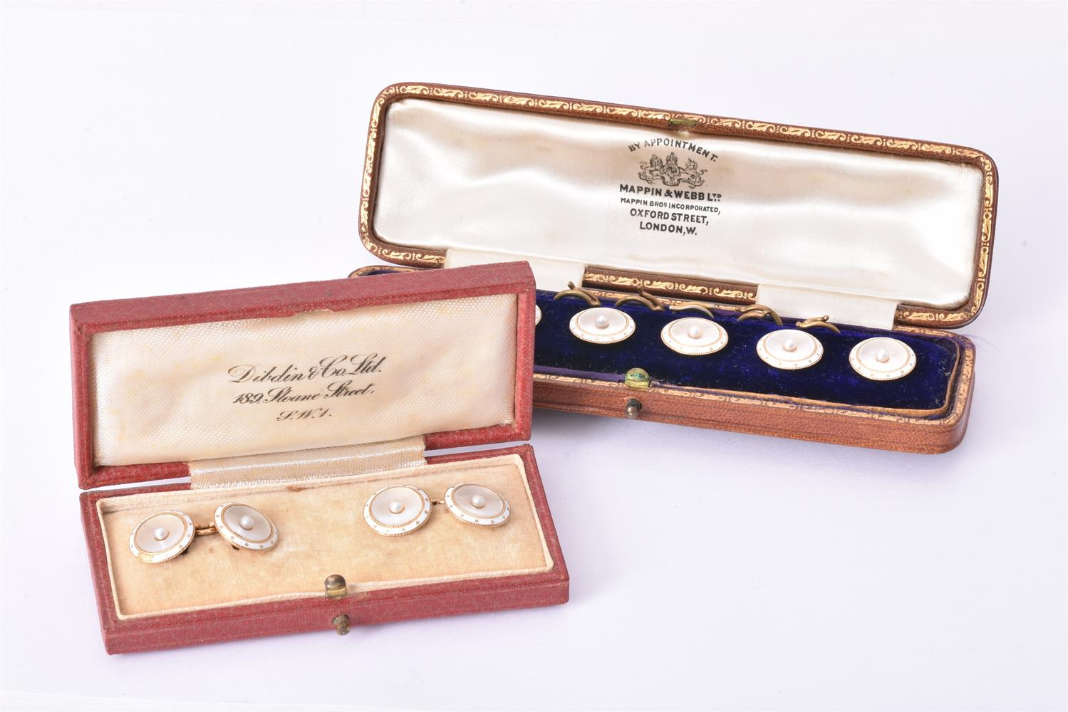 Y A pair of early 20th century mother of pearl and pearl cufflinks and six cased buttons
