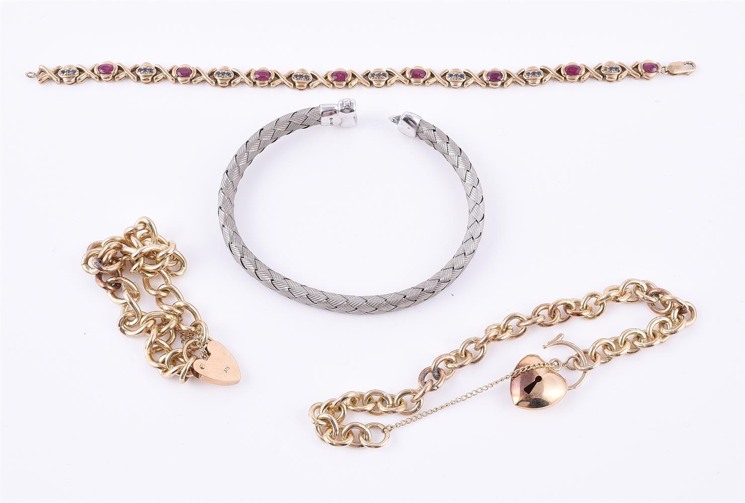 A 9 carat gold woven bracelet