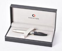 Sheaffer, Legacy 2 Trendsetter, a two tone fountain pen