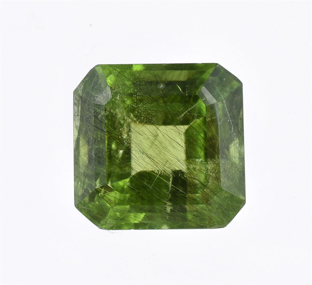 † A step cut peridot with canted corners - Image 2 of 2