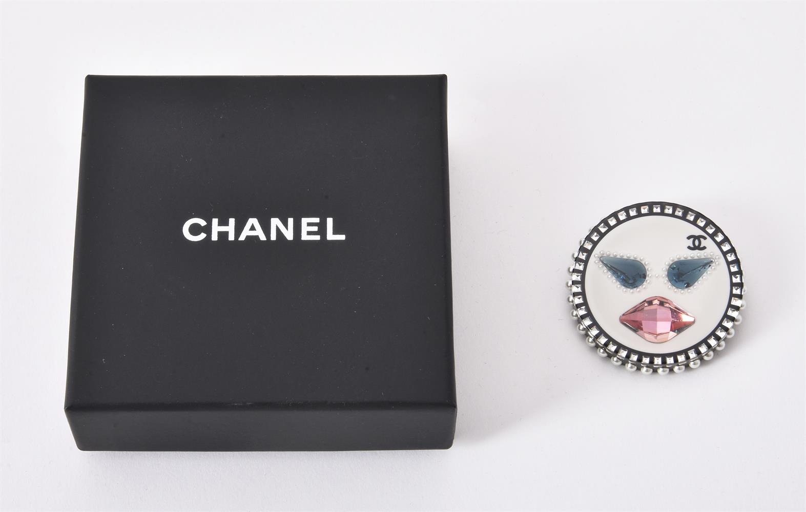 Chanel, a plastic and paste brooch - Image 2 of 5