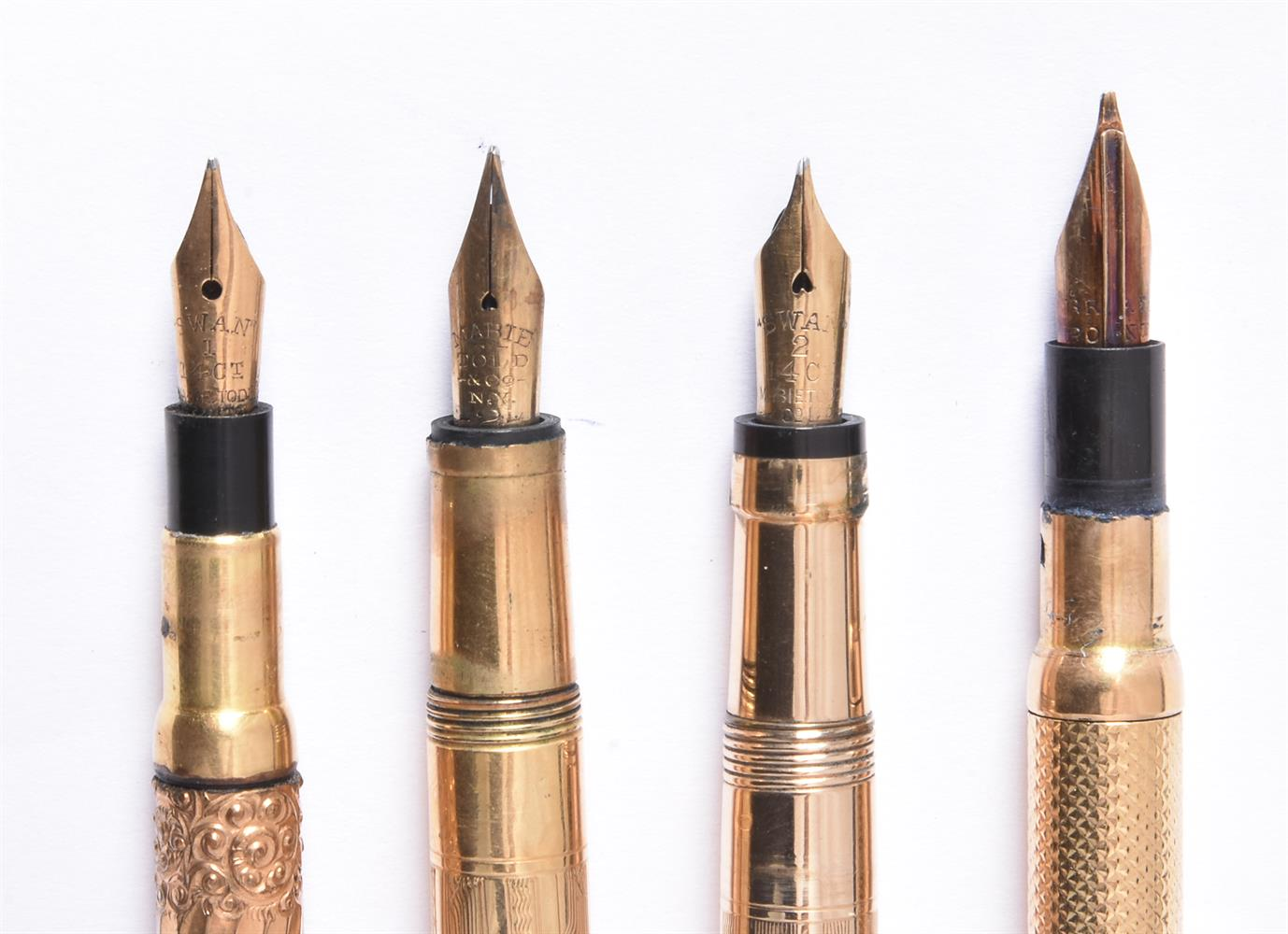 Mabie Todd & Co., Swan, a gilt metal fountain pen - Image 3 of 4