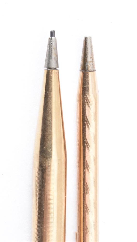A gold coloured propelling pencil - Image 2 of 2