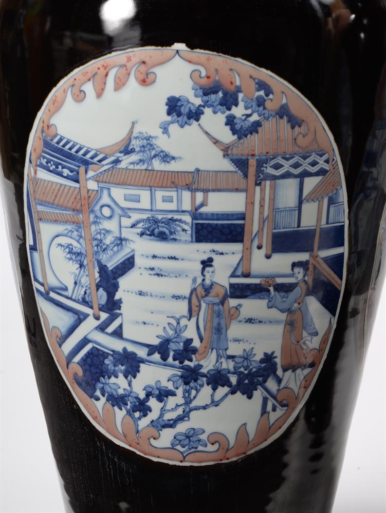A large pair of Chinese black glazed baluster vases - Image 6 of 8