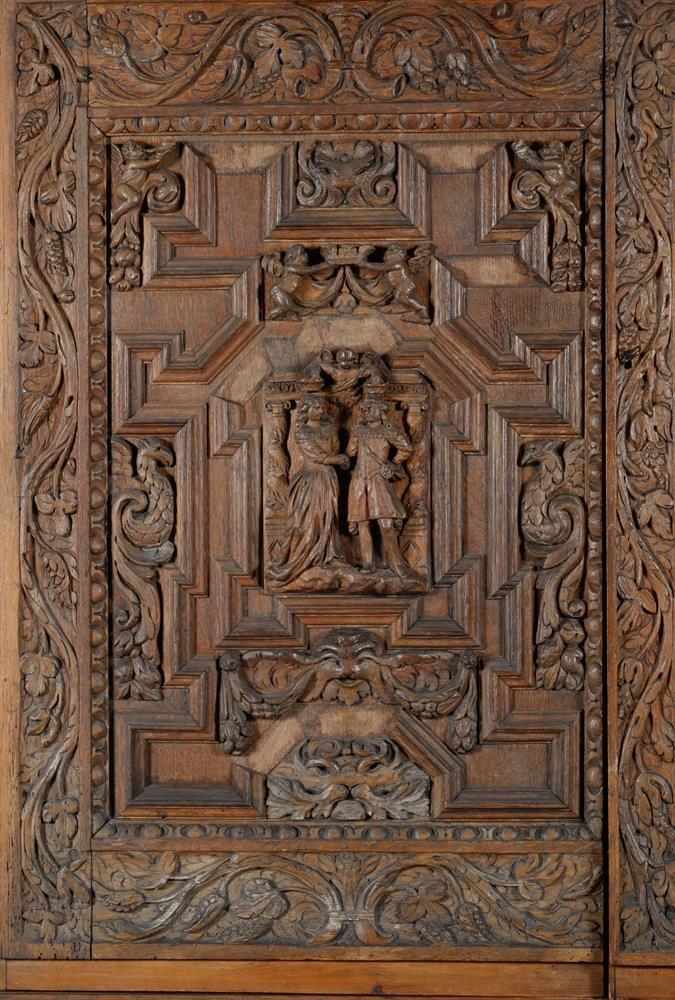 An oak and walnut press cupboard - Image 2 of 6