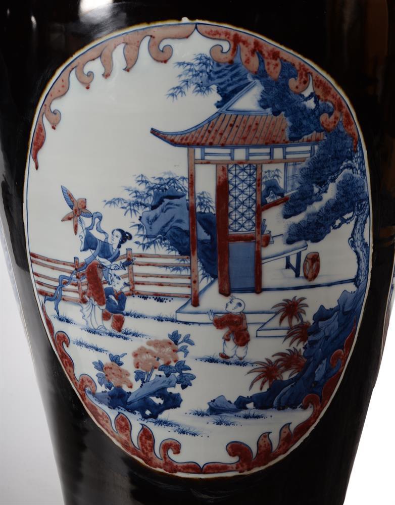 A large pair of Chinese black glazed baluster vases - Image 2 of 8