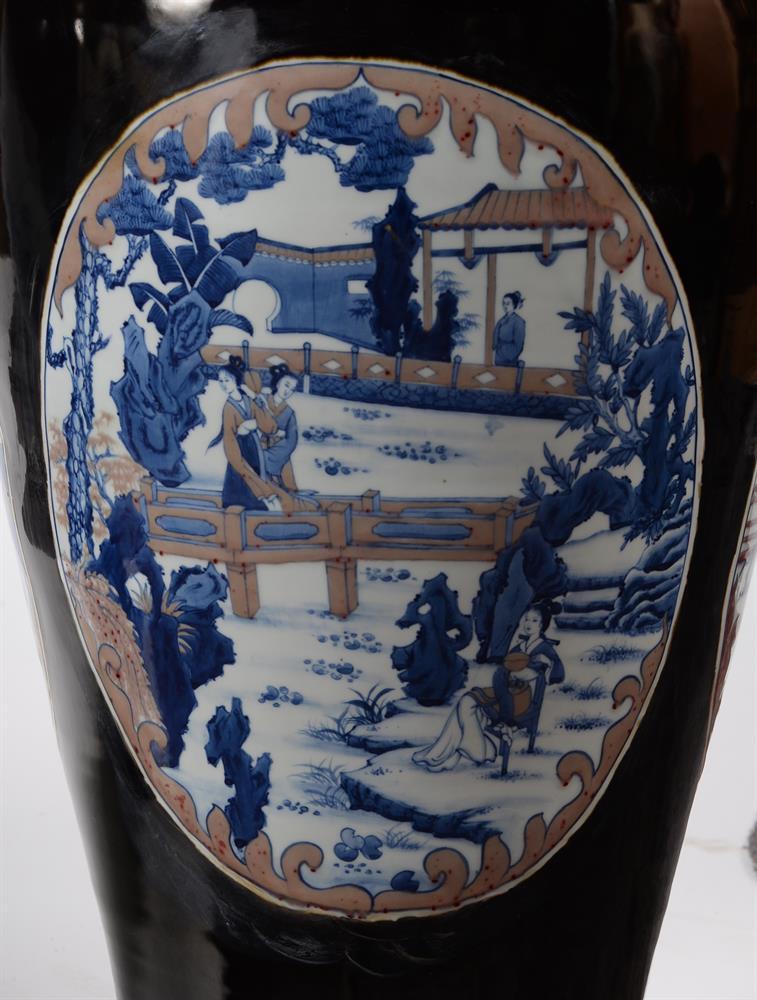 A large pair of Chinese black glazed baluster vases - Image 5 of 8