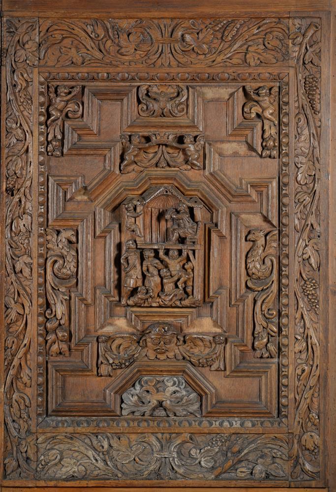 An oak and walnut press cupboard - Image 4 of 6