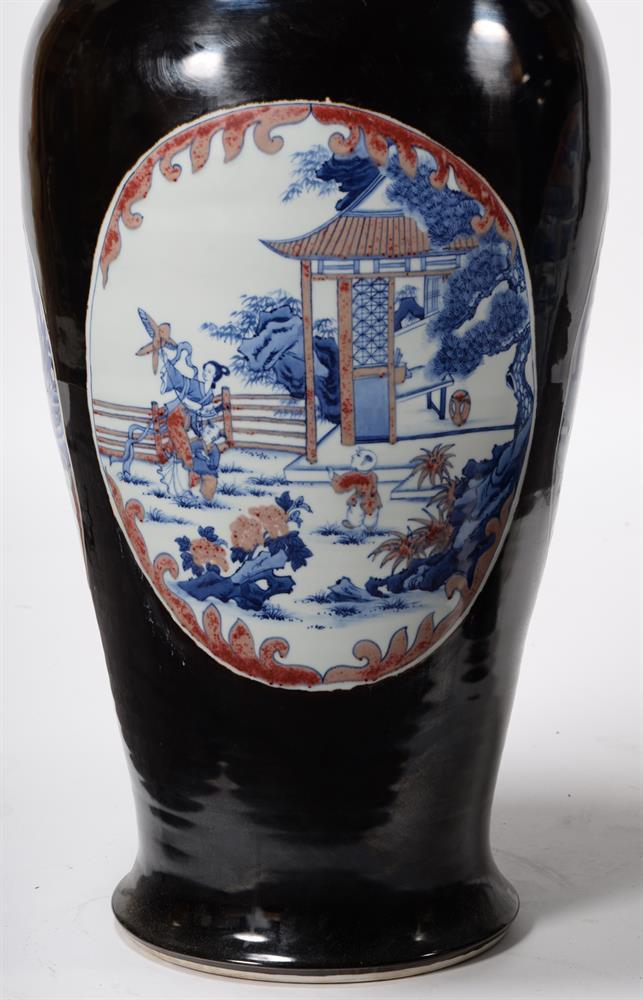 A large pair of Chinese black glazed baluster vases - Image 7 of 8