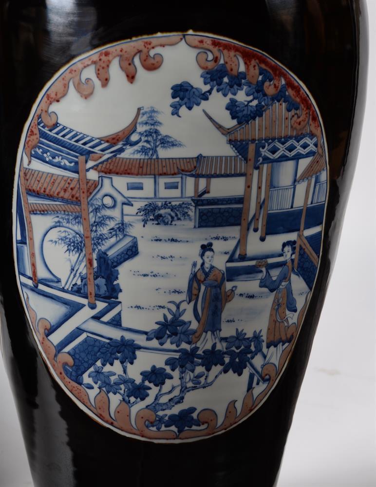 A large pair of Chinese black glazed baluster vases - Image 8 of 8