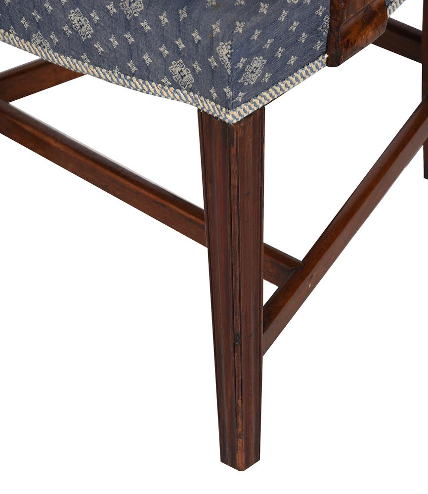 A set of eight George III dining chairs - Image 4 of 5