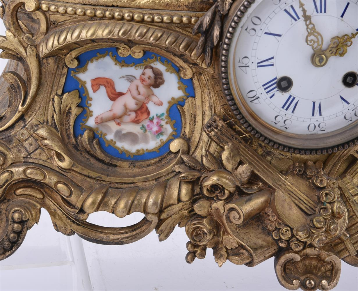 A French giltmetal and Sevres-style porcelain inset mantel clock - Image 3 of 4