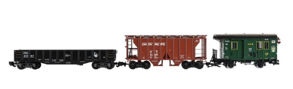 An Aristocraft G Gauge 1/29th scale model of a Union Pacific 2 Bay covered hopper car