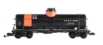 An Aristocraft G Gauge 1/29th scale model of a Single dome Chemical tank car