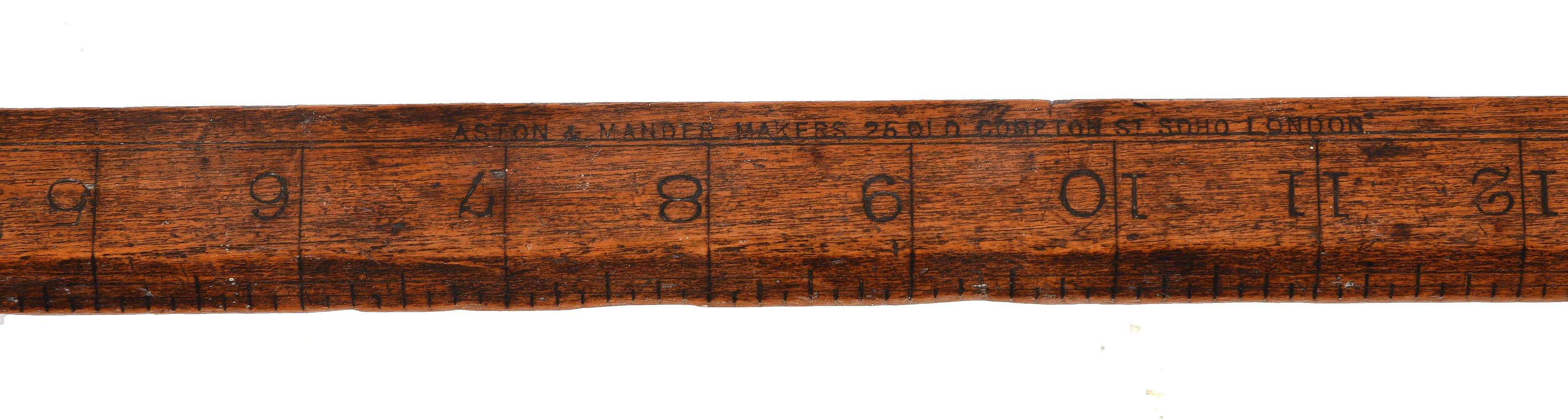 A GROUP OF THREE WOODEN MEASURING/SURVEYING INSTRUMENTS - Image 4 of 4