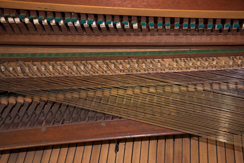 Y† AN ENGLISH SQUARE PIANO, CIRCA 1795 - Image 4 of 10