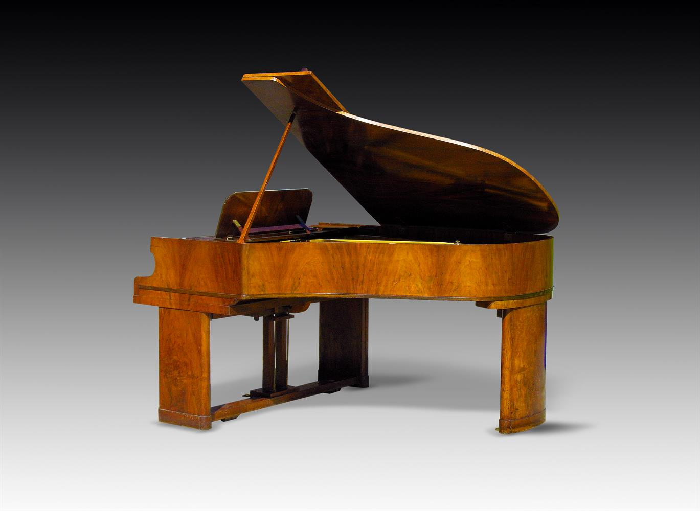 † CHAPPELL; A 6' 2'' GRAND PIANO FROM THE MAURETANIA 2, NUMBER 83215, 1948 - Image 2 of 4