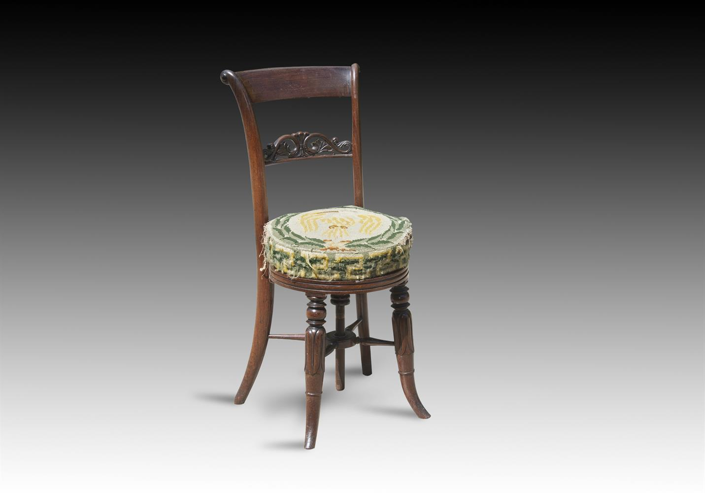 Y† A GEORGE IV ROSEWOOD MUSICIAN'S CHAIR