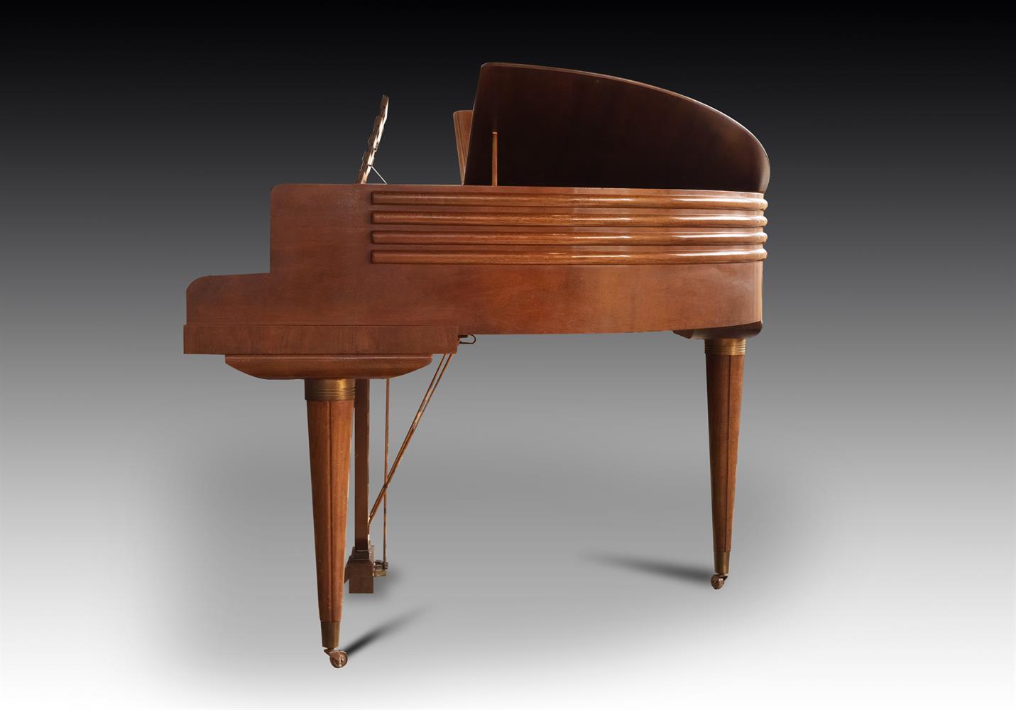 † WURLITZER, CINCINNATI; A 4'1'' BUTTERFLY GRAND PIANO, CIRCA 1937 - Image 2 of 7