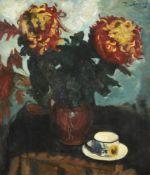 λ Piet van Wyngaerdt (Dutch 1873-1964), Chrysanthemums in a vase