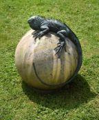 λ Hannah Stewart, Iguana