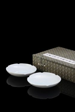 A pair of small Chinese qingbai foliate dishes