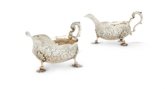 A PAIR OF WILLIAM IV SILVER SHAPED OVAL SAUCE BOATS BY EDWARD FARRELL
