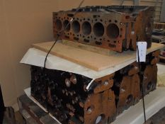 4 x Caterpillar C7.1 new cylinder blocks, some rusty.
